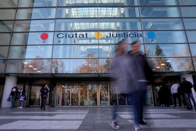 Fachada de la Ciudad de la Justicia de Valencia. EFE