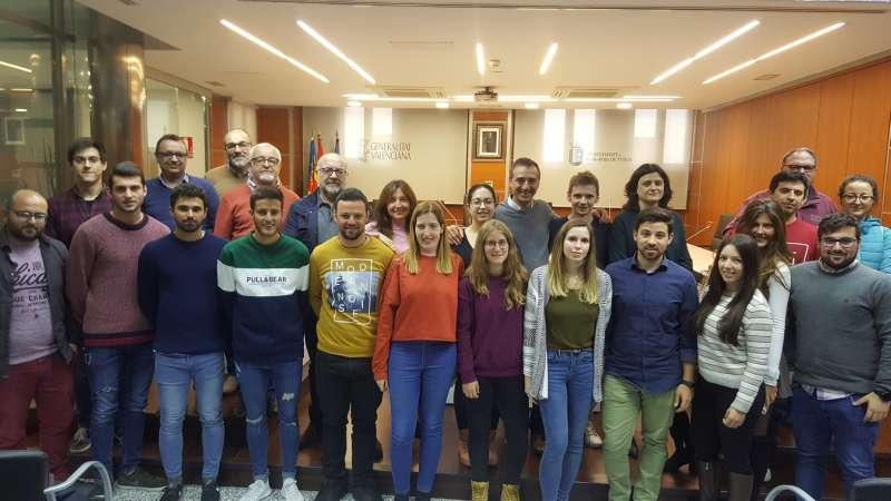 Grupo de becados por el Ayuntamiento de Riba-Roja./epda