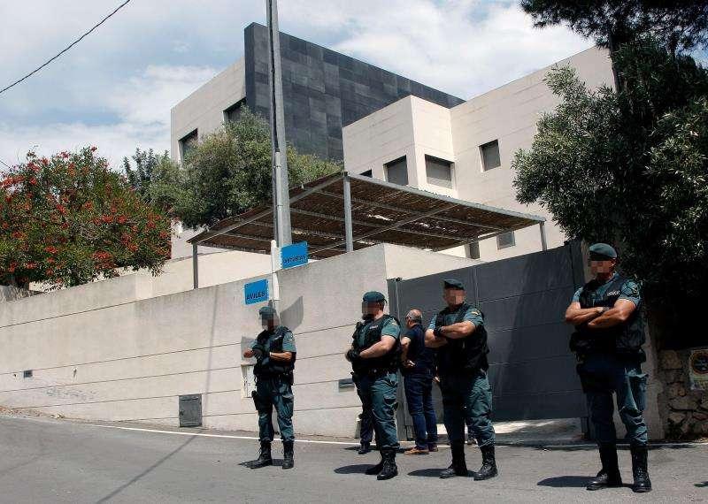 Vista general del chalé del exministro y expresident de la Generalitat Eduardo Zaplana en Benidorm, el día que fue detenido en mayo de 2018. EFE/Archivo