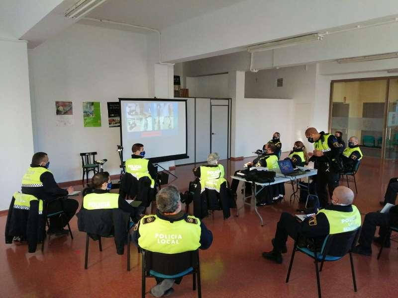 Policía rep formació