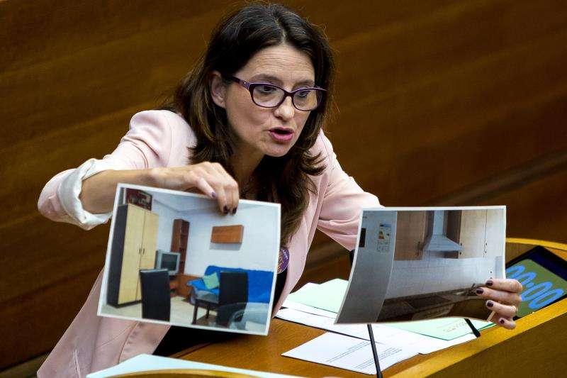 La vicepresidenta del Consell, Mónica Oltra, durante una comparecencia en Les Corts. EFE/Archivo