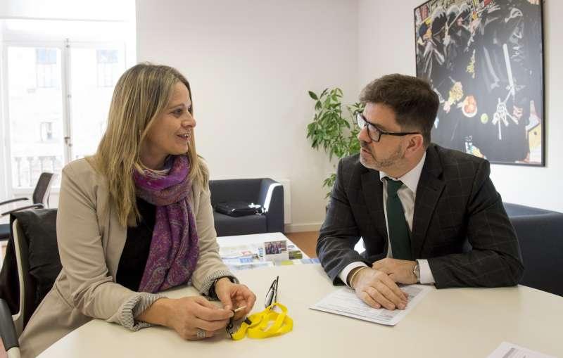 Altur se reúne con Raquel Martí de UNRWA.