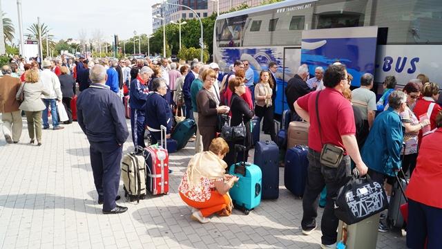 Centenares de usuarios de los viajes sociales que ofrece la Diputación de Valencia.