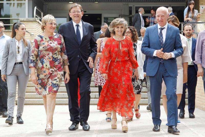 El president de la Generalitat, Ximo Puig, junto a la ministra de Sanidad en funciones, María Luisa Carcedo y la consellera de Sanidad Universal y Salud Pública, Ana Barcel. EFE
