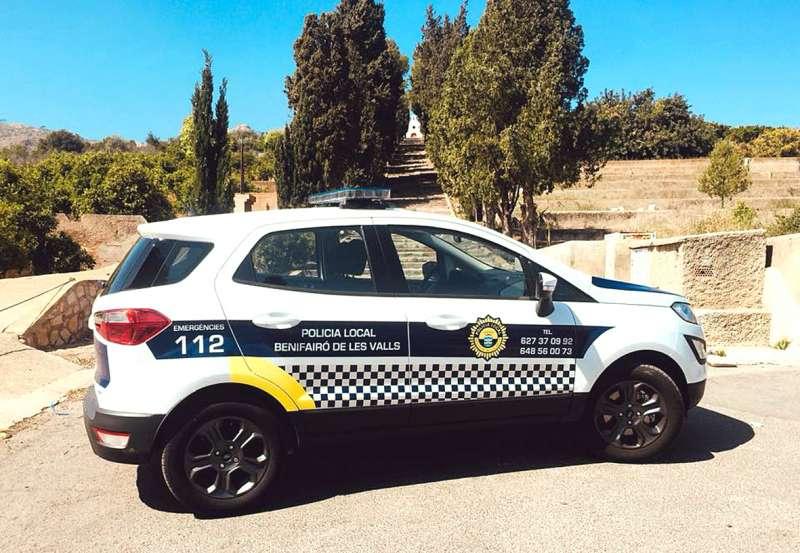 El nuevo vehículo de la Policia Local de Benifairó de les Valls. EPDA
