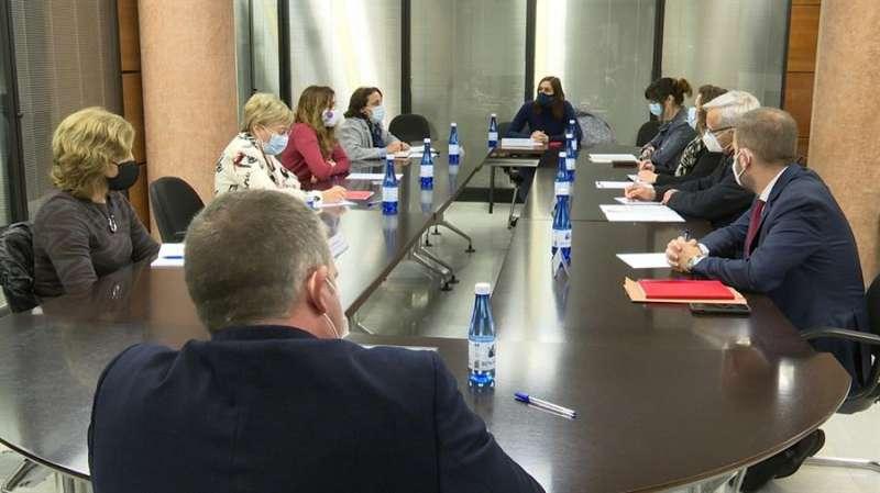 Reunión de la comisión mixta entre el Ayuntamiento de València y la Conselleria de Sanidad. EFE /Sanidad