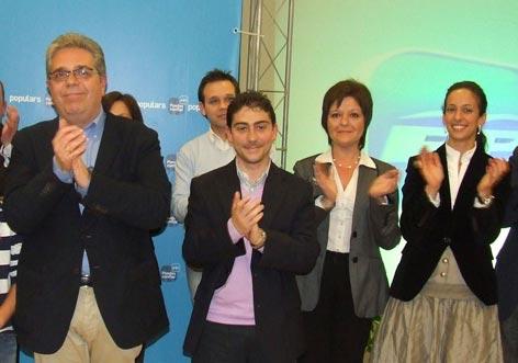 Medina y Gimeno antes de las elecciones municipales de 2011. FOTO PP MONCADA