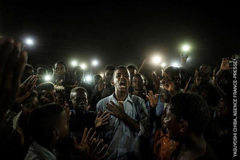 Imagen ganadora del fotógrafo japonés Yasuyoshi Chiba, de la agencia AFP.