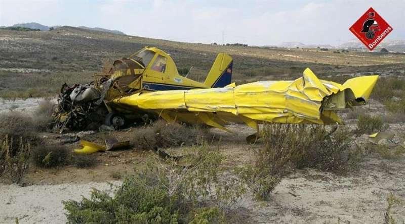 La avioneta accidentada, en una imagen del Consorcio de Bomberos de Alicante.