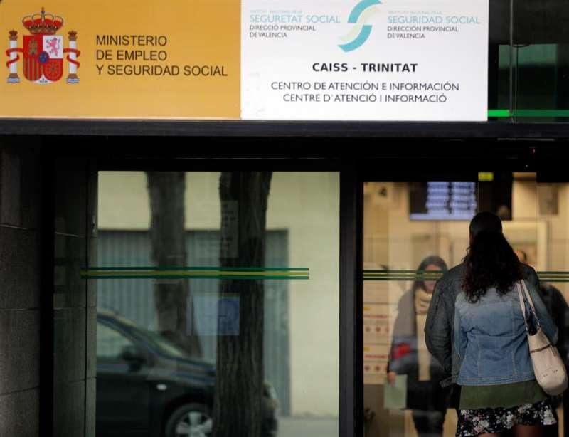 Imagen de una oficina de la Seguridad Social. EFE/Juan Carlos Cárdenas/Archivo