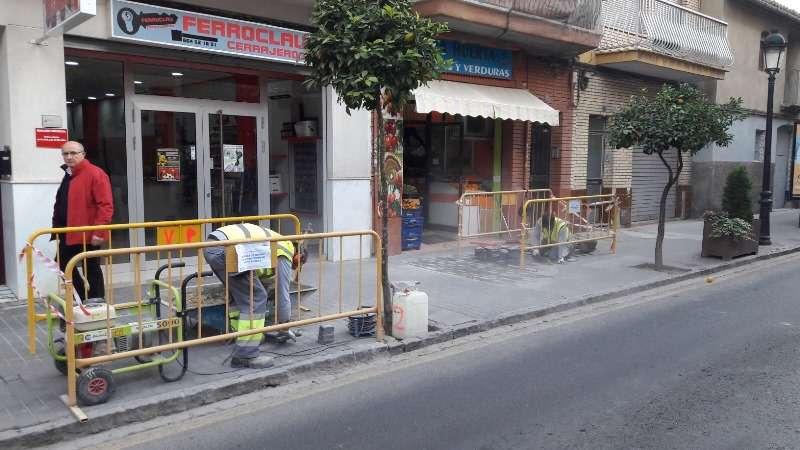 Trabajos de mantenimiento de la vía pública. EPDA