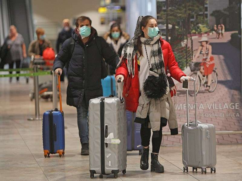 Treinta y nueve españoles que, en su mayoría, estaban de vacaciones en Bali resresan a consecuencia de la pandemia. EFE