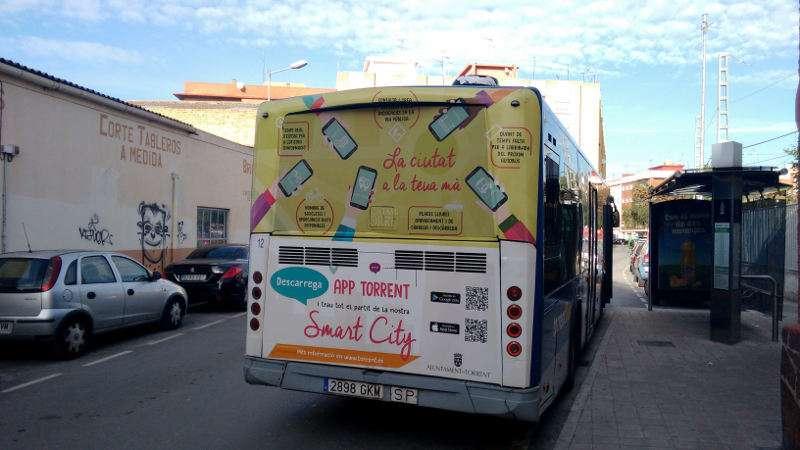 Publicidad de la APP Torrent en un autobús. EPDA