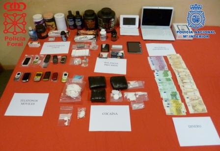 Han sido arrestadas 18 personas e intervenidos cinco kilos de cocaína y gran cantidad de productos adulterantes. FOTO: EPDA