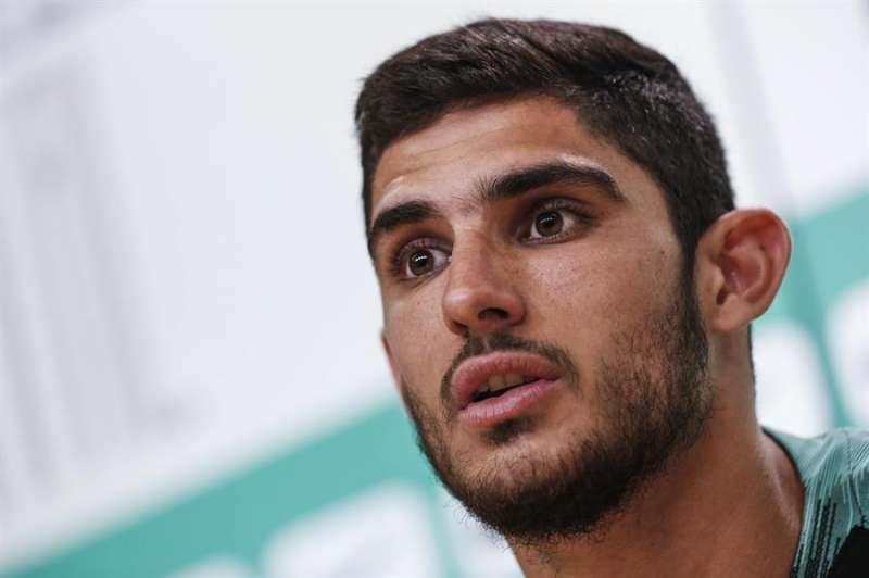 El delantero portugués del Valencia CF, Gonçalo Guedes, durante una rueda de prensa. Foto: Archivo