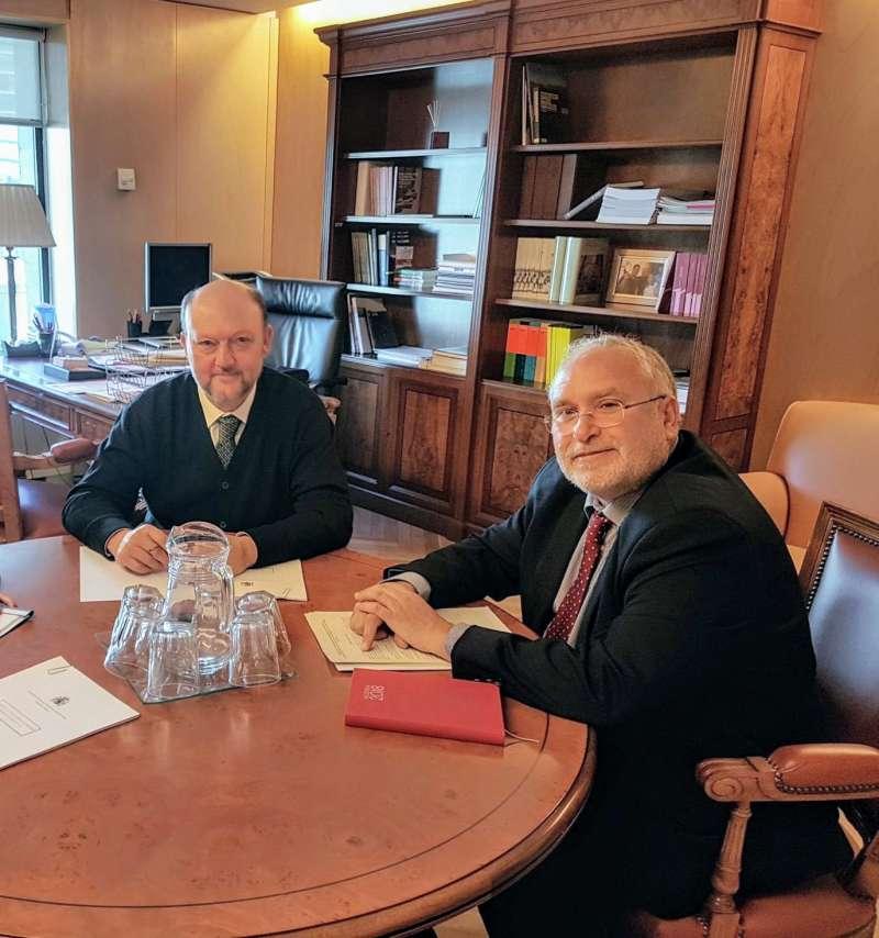 El director general de Administración Local, Antoni Such, se ha reunido con el presidente de la Comisión de Hacienda y Administraciones Públicas del Congreso de los Diputados, Antonio Pradas