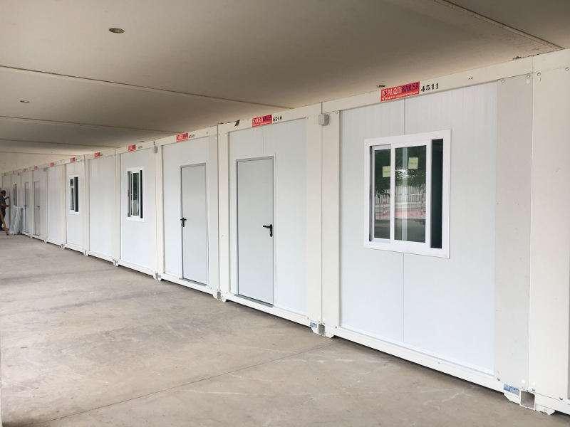 Nuevos barracones escolares instalados en el IES de Albal. EPDA