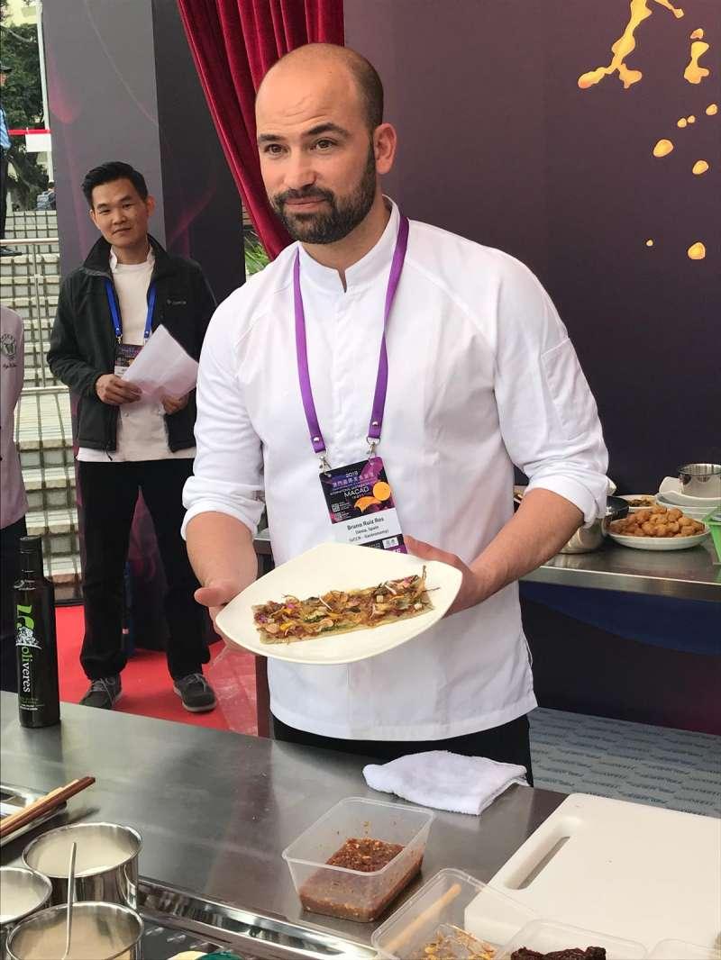 El chef del restaurante Aticook, Bruno Ruiz
