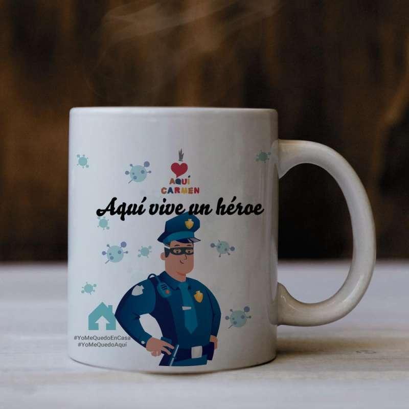 Taza de AquiCarmen.com que homenaje a los héroes policías