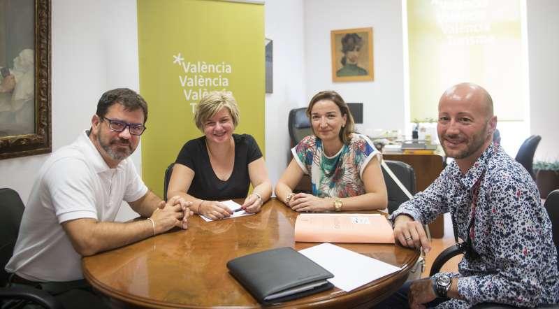 Altur y Moncho reunidos con Amparo Navarro y Rafa Navarro de Benissanó. //ABULAILA