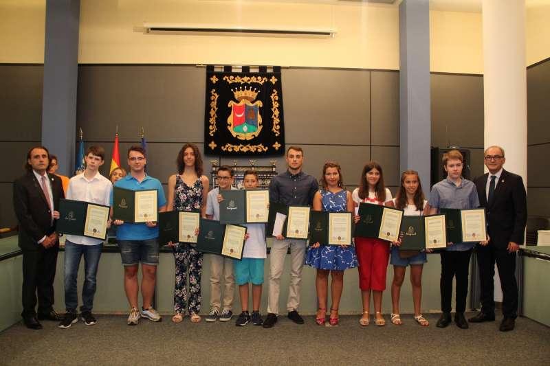 El Ayuntamiento premia a los mejores alumnos del municipio