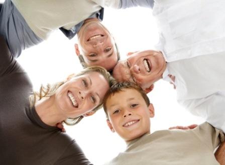 Una sonrisa abierta y sincera transmite seguridad y  ayuda a lograr más éxito. FOTO: EPDA