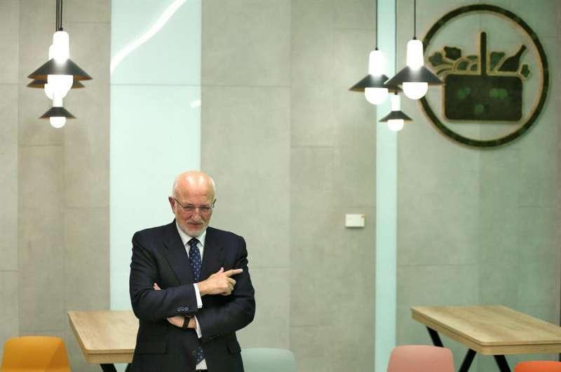 El presidente de Mercadona, Juan Roig, en la presentación el 10 de marzo de los datos económicos de la compañía correspondientes a 2019 y las previsiones para 2020. EFE/ Manuel Bruque/Archivo