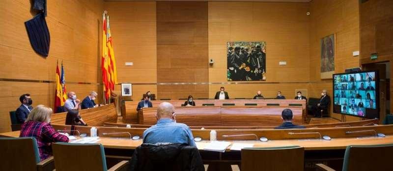 Foto cedida por la Diputación de València del pleno de la institución provincial.EFE