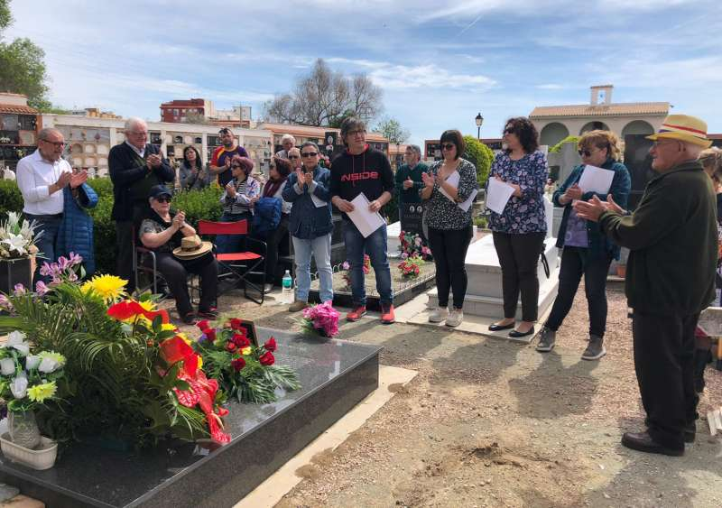 Homenaje a los caídos en el cementerio de Segorbe