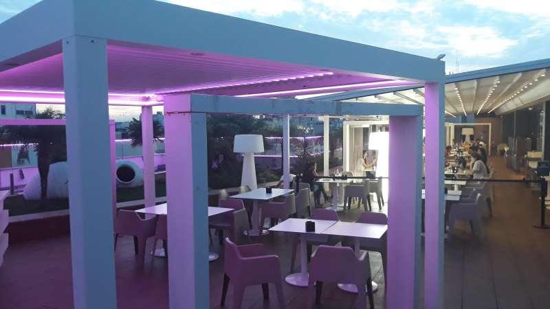 Cafetería de Pintor Sorolla de rosa. ECI
