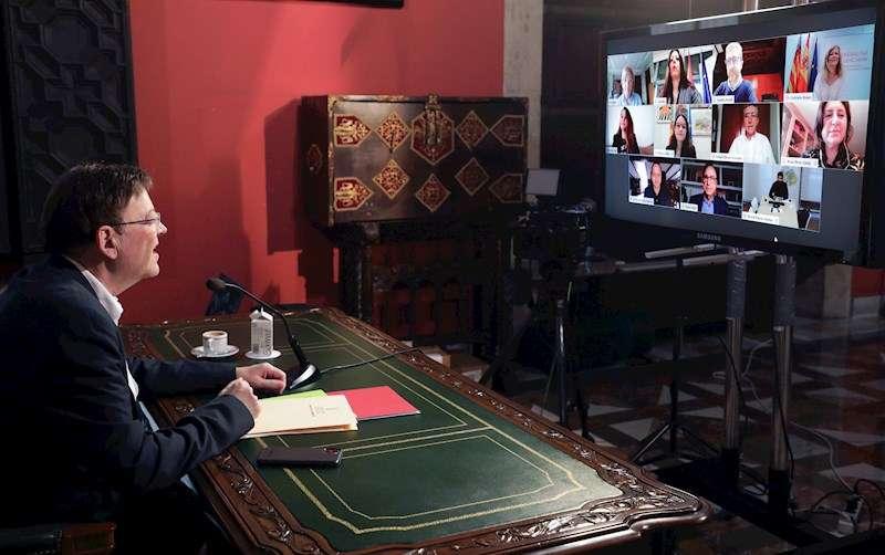Fotografía cedida por la Generalitat del president Ximo Puig durante el último pleno del Consell, celebrado por videoconferencia.