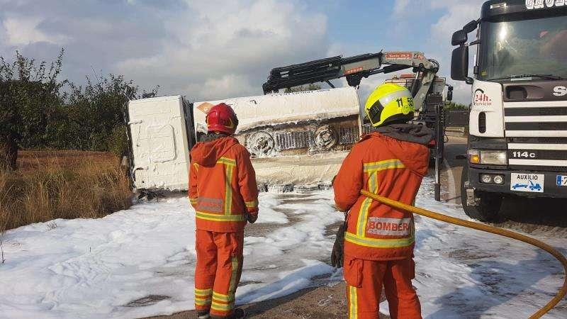 Los bomberos en el lugar del accidente, en una imagen del Consorcio.