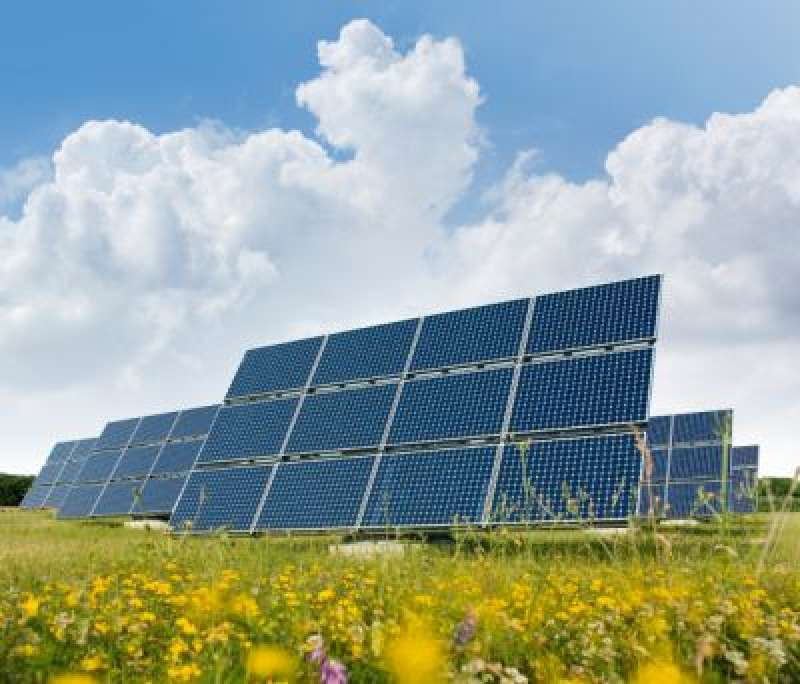 Camp de plaques solars