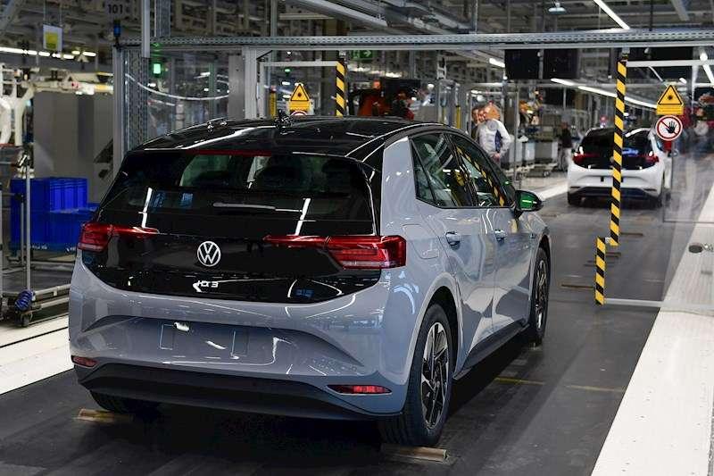 Cadena de producción en una factoría de Volkswagen EFE