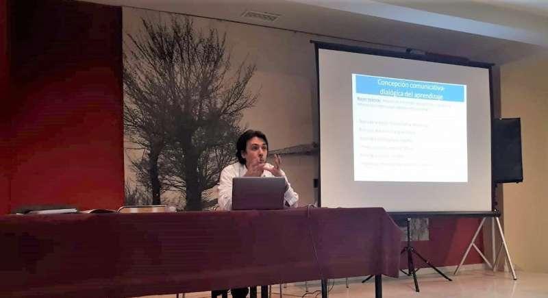 Jornada Comunidades de Aprendizaje Sesion con  investigador Aitor Gómez