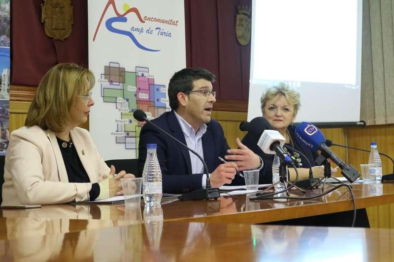 Lola Celda, Jorge Rodríguez i Mercedes Berenguer a la roda de premsa, a la Mancomunitat