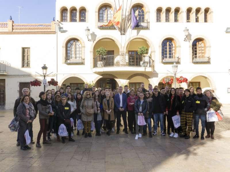 Foto família dels Erasmus amb Salva Torrent