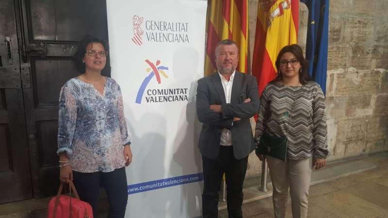 La diputada y concejala de Presidencia, el alcalde de Sagunt y la concejala de Turismo en València. EPDA