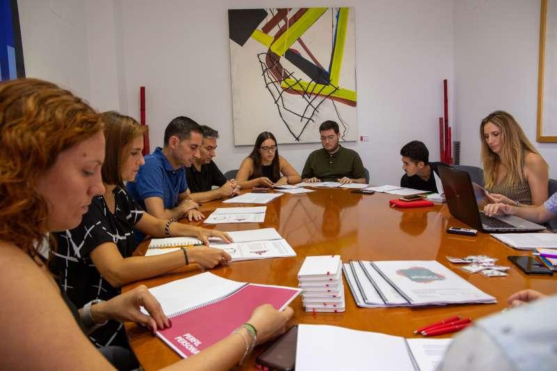 Presentación de los datos a miembros del equipo de gobierno. EPDA