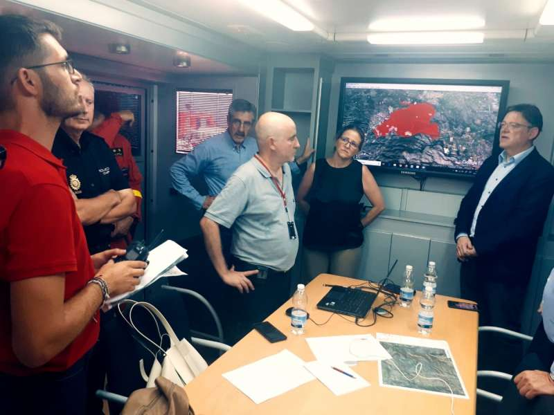 Ximo Puig en el puesto de mando avanzado. EPDA