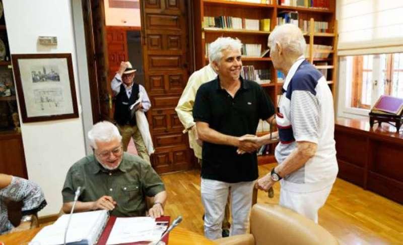Ximo Tébar con Santiago Grisolia en el Consell Valencià de Cultura.EPDA