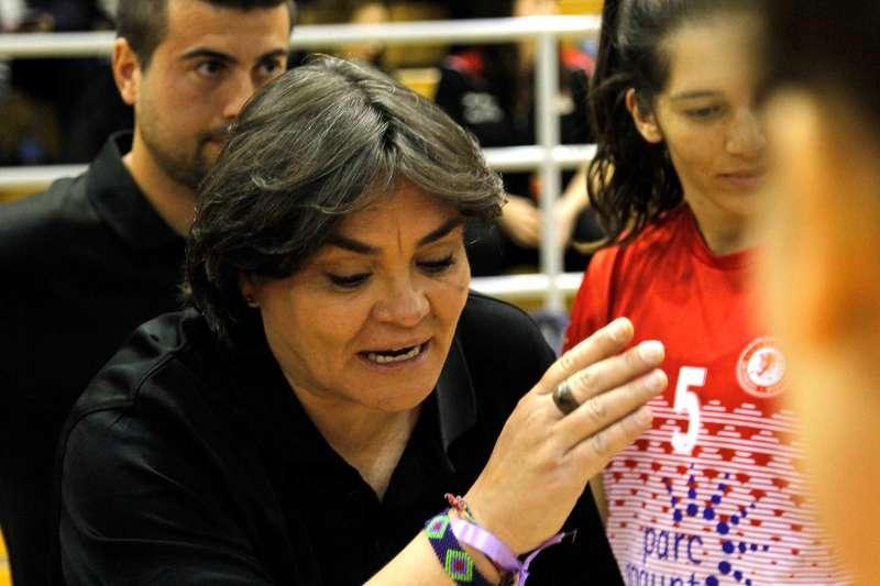 La entranadora del Balonmano Morvedre, Montse Puche.