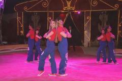 Momento del espectáculo que ofrece el circo Alaska