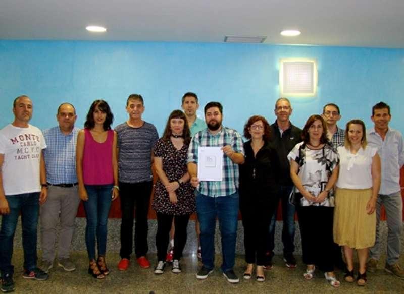 Signatura del pacte en Rafelbunyol. EPDA