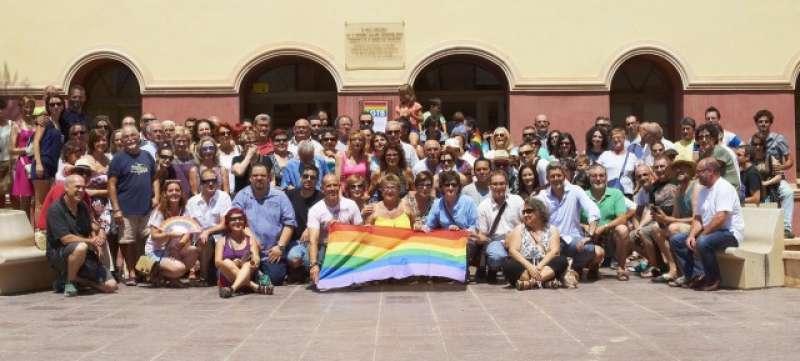 Lectura del manifiesto en el Día del Orgullo en La Pobla de Vallbona. //EPDA