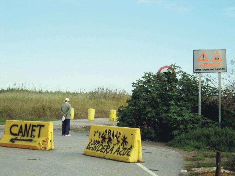 Carretera entre Canet y el Port de Sagunt por la playa. / EPDA