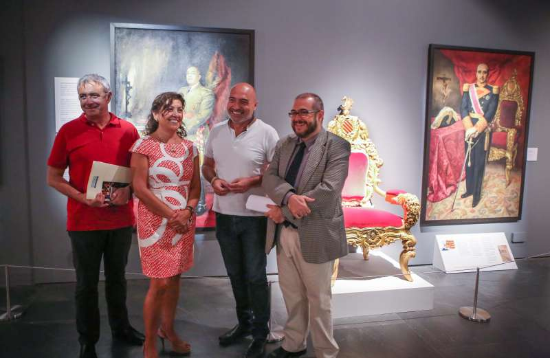 Amador Griñó, Carmen Ninet, Xavier Rius y Rafael Company durante la presentación de