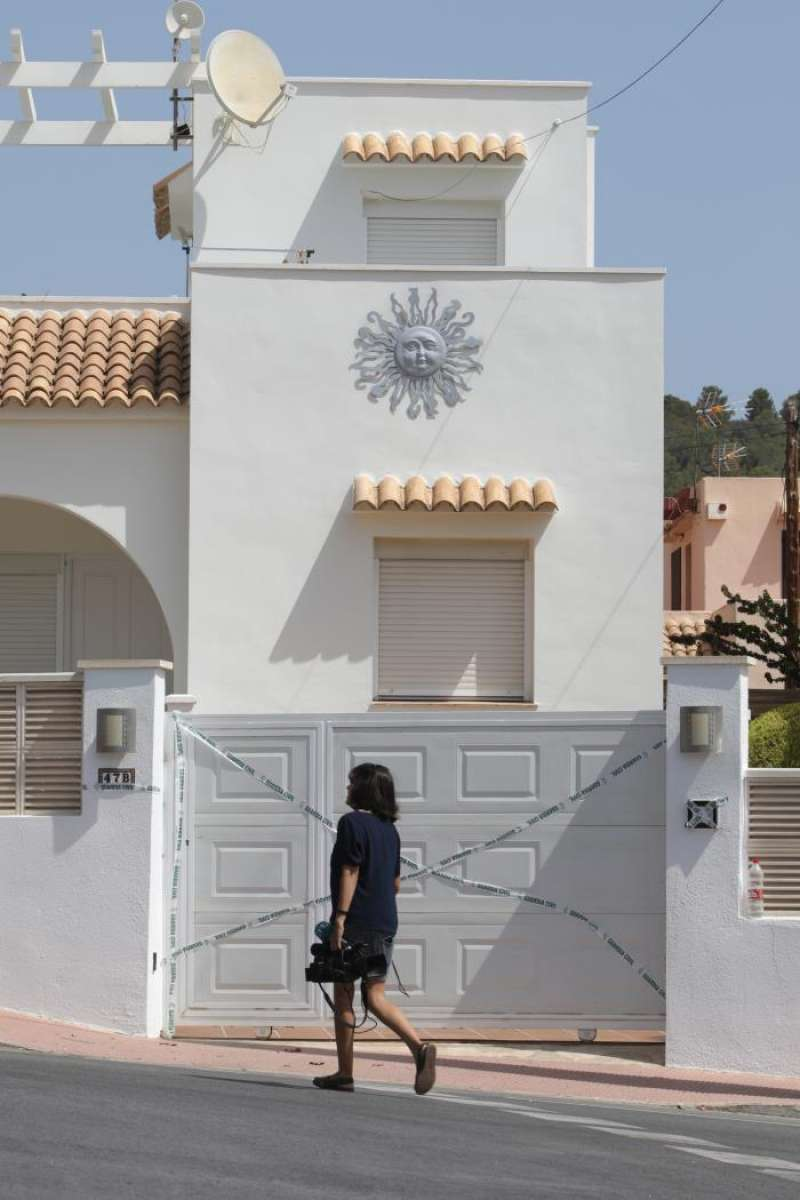 Imagen de la vivienda en Calpe donde ha ocurrido el asesinato. EFE