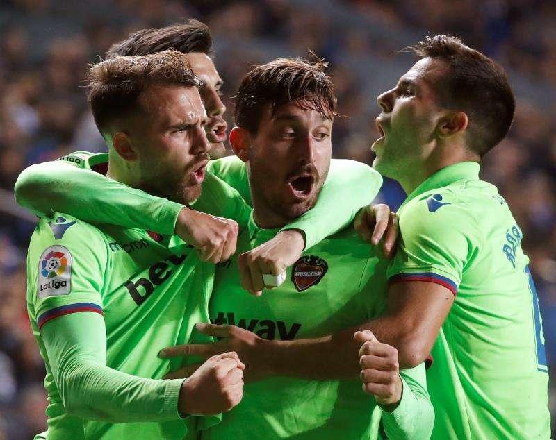Jugadores del Levante UD celebrando el gol del empate
