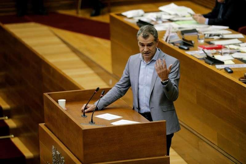 El portavoz de Ciudadanos en Les Corts, Toni Cantó, interviene en un pleno. EFE